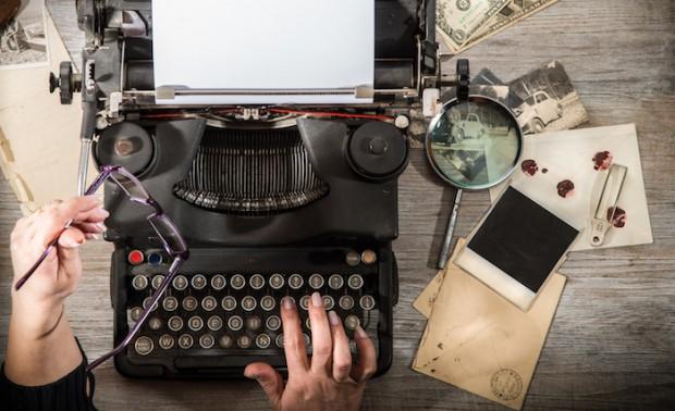 macchina da scrivere vintage in azione